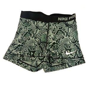 """Nike Pro 3"""" shorts"""